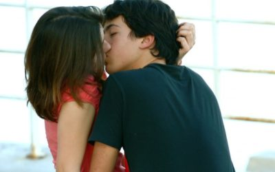 The Science Behind Why Kissing Feels Good